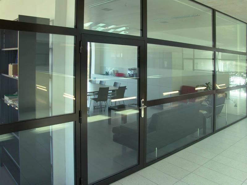 Алюминиевые офисные перегородки с дверями