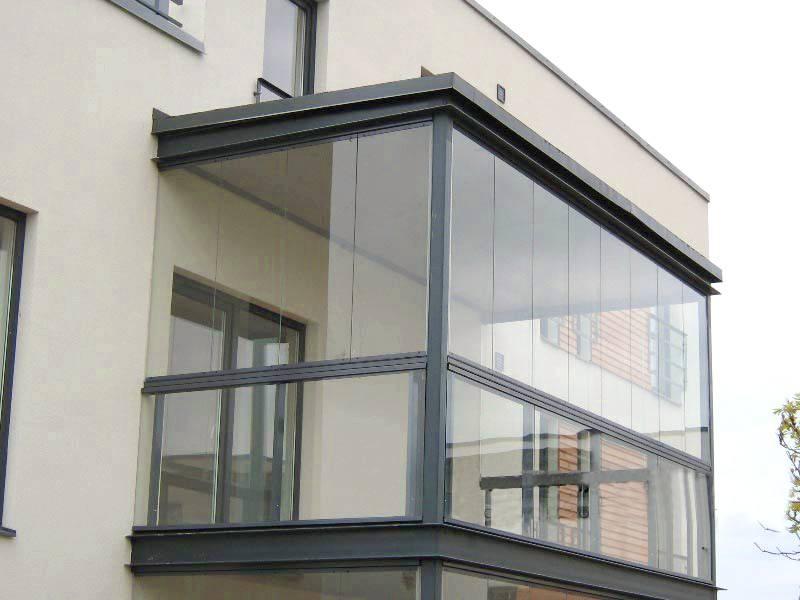 Безрамное остекление балкона в петербурге, теплые и холодные.